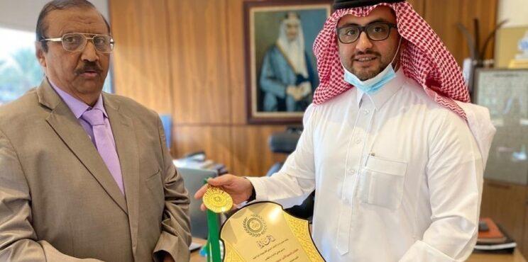 الاتحاد الدولي يكرم سمو الأمير منصور بن سعد ال سعود